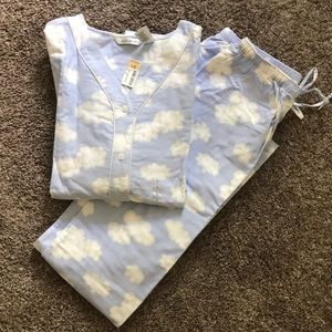 NWT long with sleeve jammies set